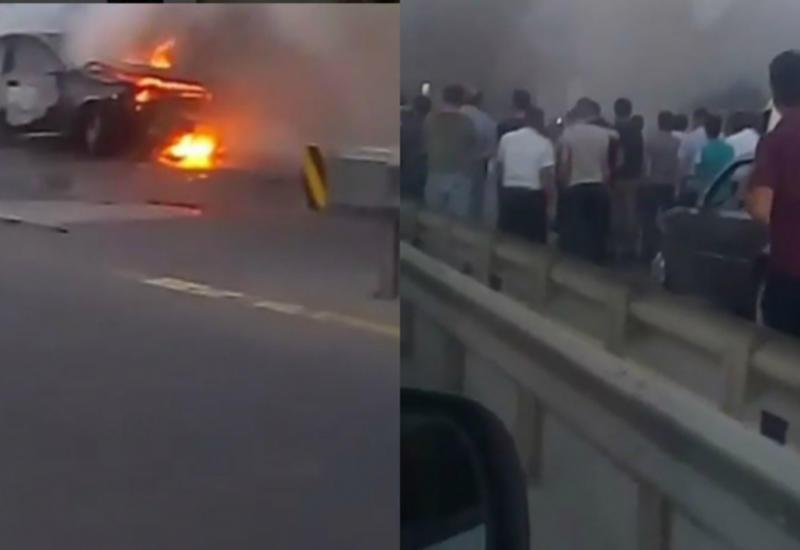 """Ужасная авария в Азербайджане, автомобиль в огне <span class=""""color_red"""">- ФОТО</span>"""