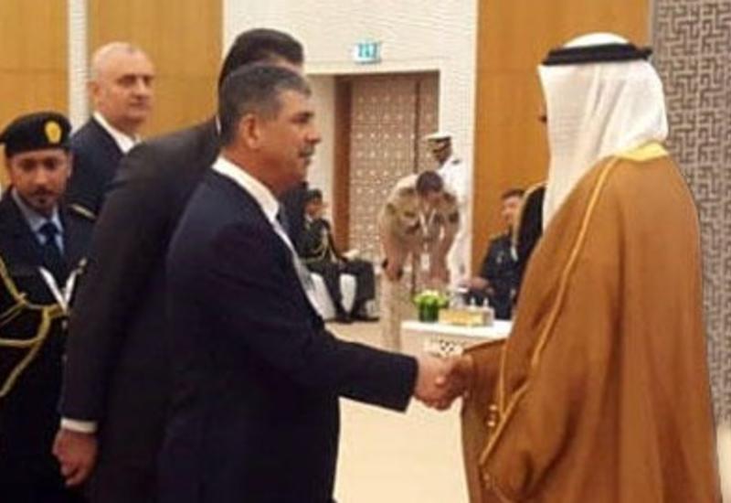 """Закир Гасанов на переговорах с министром ОАЭ <span class=""""color_red"""">- ФОТО</span>"""