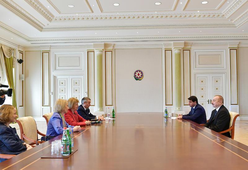 "Президент Ильхам Алиев принял торгового посланника Великобритании <span class=""color_red"">- ФОТО</span>"