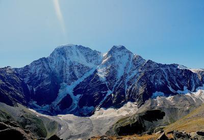 "Очевидец снял обрушение ледника на Эльбрусе <span class=""color_red"">- ВИДЕО</span>"