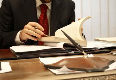 В Азербайджане утвердили новые правила по приему в адвокатуру