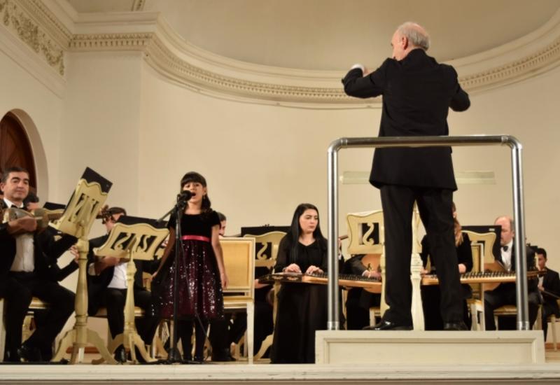 """Молодые таланты дали концерт в рамках проекта Филармонии """"Gənclərə dəstək"""""""