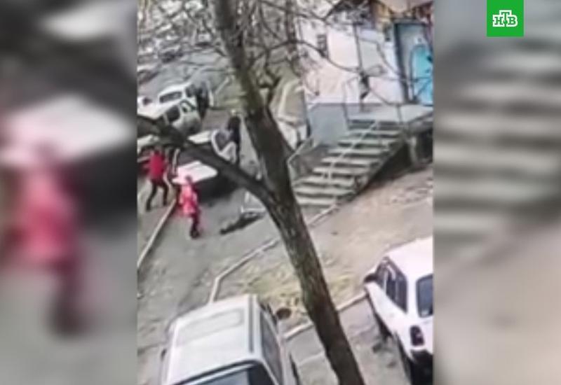 """В России водитель насмерть сбил женщину с ребенком <span class=""""color_red"""">- ВИДЕО</span>"""