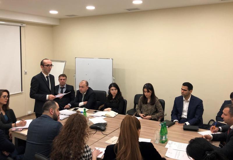 В Азербайджане обсудили ход реализации стратегических дорожных карт