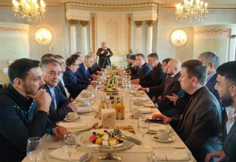 Азербайджанские и чеченские аксакалы встретились в Москве