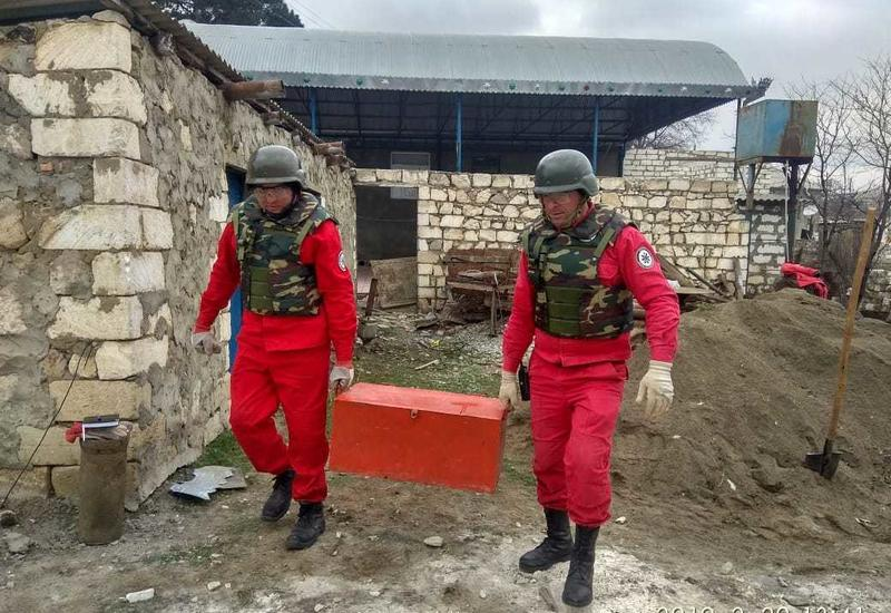 """В Агстафе обнаружили свыше ста неразорвавшихся мин <span class=""""color_red"""">- ФОТО</span>"""