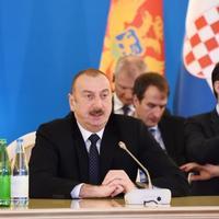 Президент Ильхам Алиев: Благодаря правильному использованию энергетических ресурсов и доходов Азербайджан добился повышения уровня жизни населения