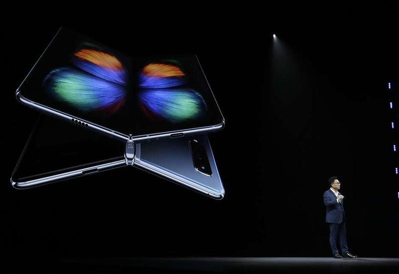 "Samsung представила смартфон Galaxy Fold со складывающимся экраном <span class=""color_red"">- ФОТО</span>"
