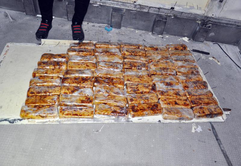 """Через Азербайджан пытались перевезти десятки килограммов наркотиков <span class=""""color_red"""">- ФОТО - ВИДЕО</span>"""