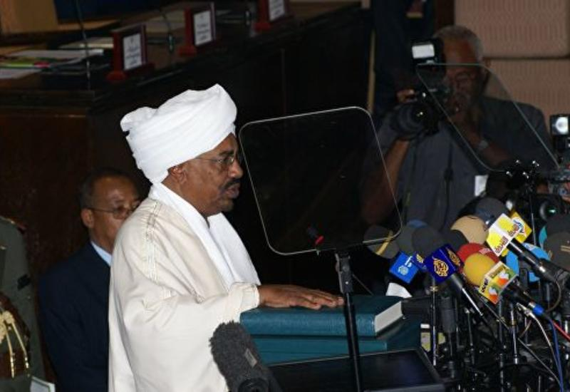 Президент Судана объявил о введении чрезвычайного положения в стране