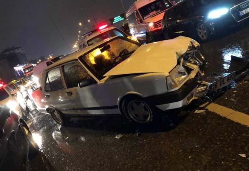 """Ужасная цепная авария в Стамбуле, есть погибший и раненые <span class=""""color_red"""">- ФОТО</span>"""