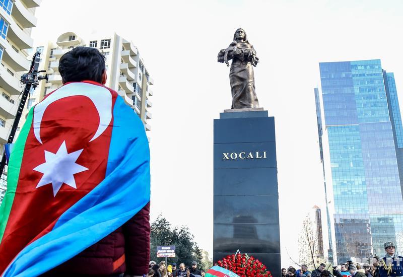 В Азербайджане почтили память жертв Ходжалинского геноцида минутой молчания