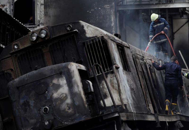 Момент взрыва поезда в Каире попал на камеры