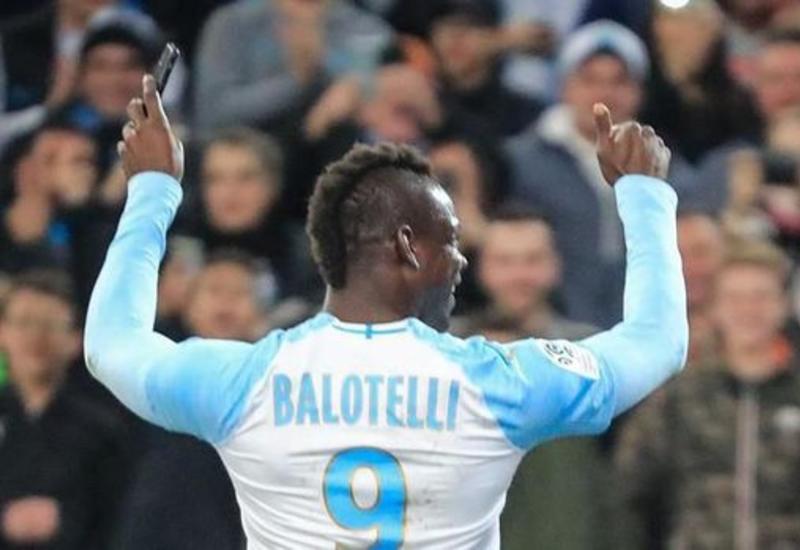 Балотелли забил ударом через себя и отметил гол в Instagram