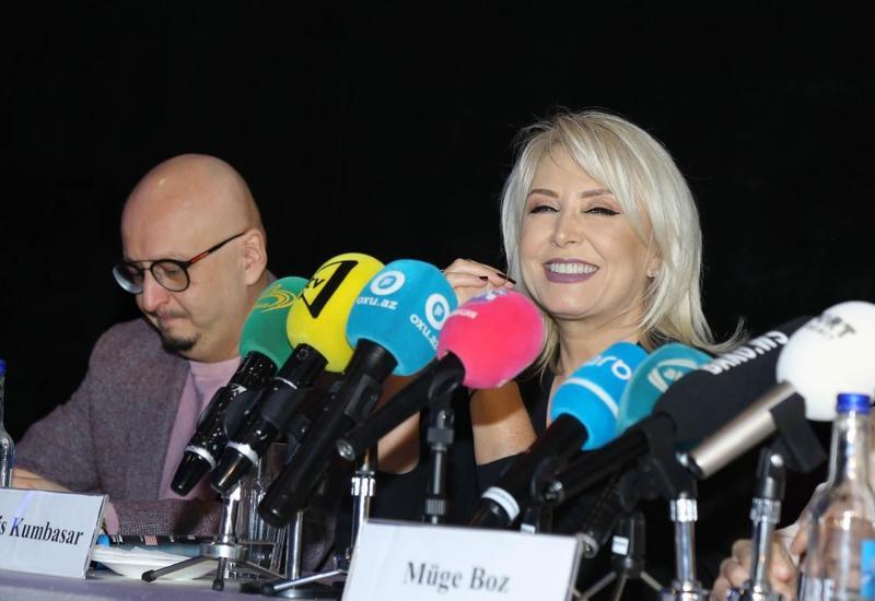 """В CinemaPlus прошла пресс-конференция романтического фильма """"Çat Kapı Aşk"""""""
