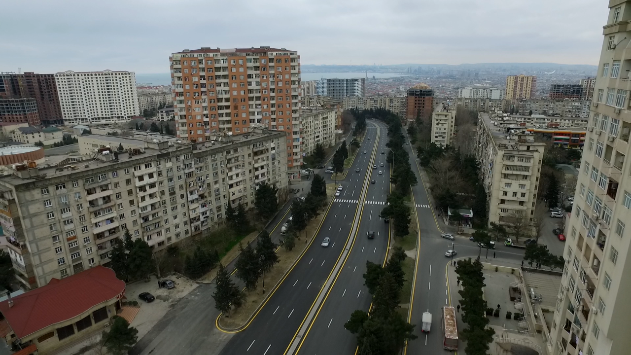В Баку реконструирована крупная улица