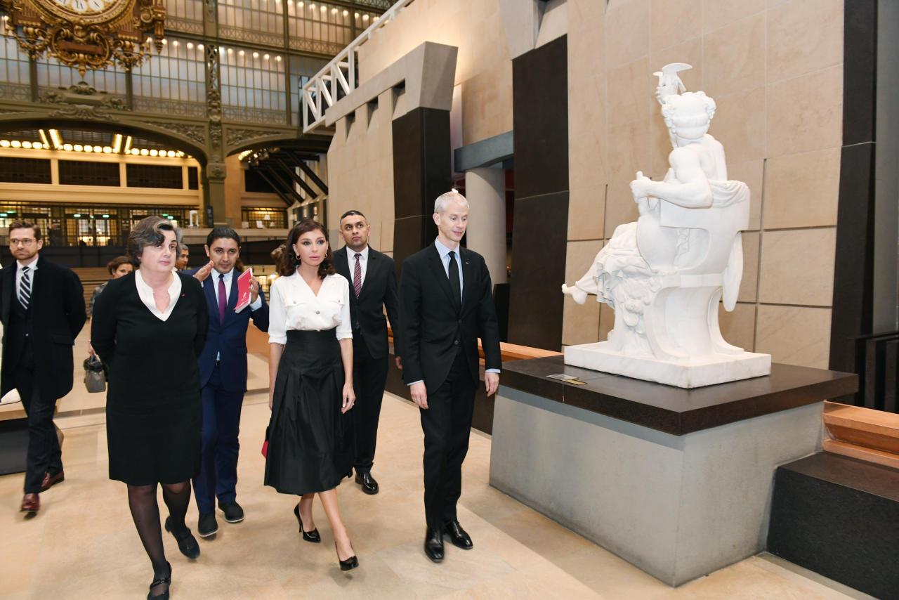 Первый вице-президент в сопровождении министра культуры Франции посетила музей Орсе в Париже