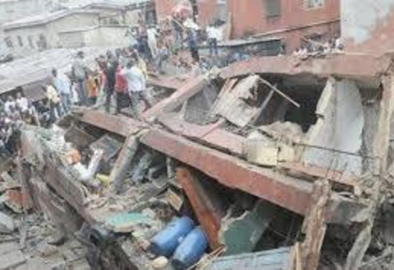 Пять школьников погибли при обрушении здания в Нигерии