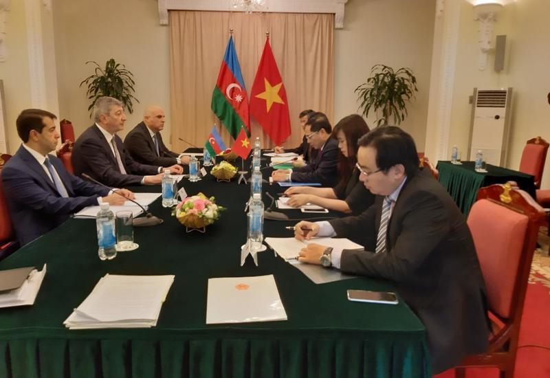 Азербайджан и Вьетнам ведут политконсультации