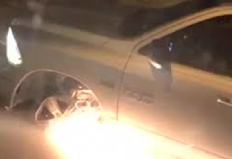 Женщина без шин на авто искрометно пронеслась по трассе