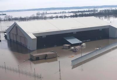 В США затопило военную базу