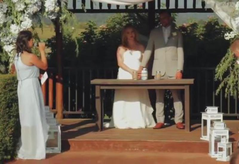 Свидетель на свадьбе немного переволновался