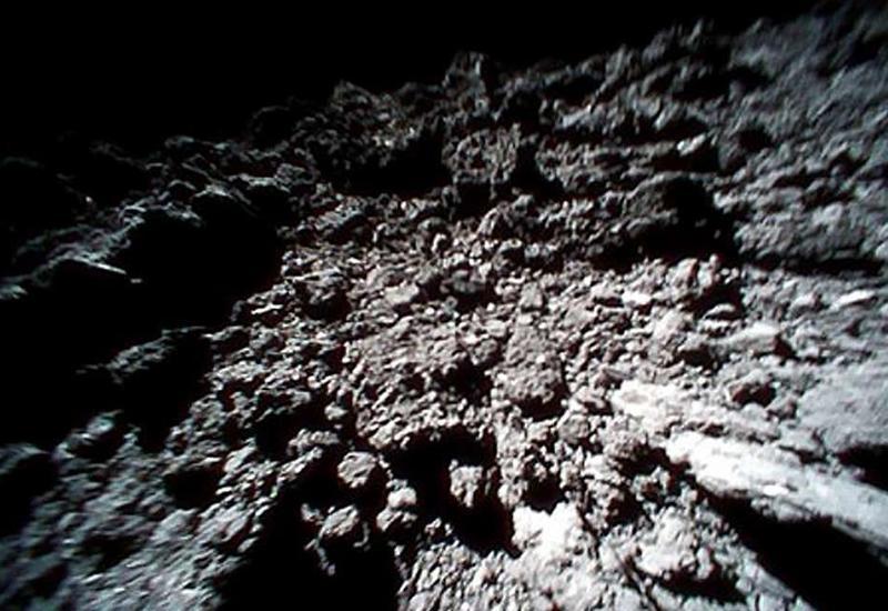 Японский зонд обнаружил на астероиде воду