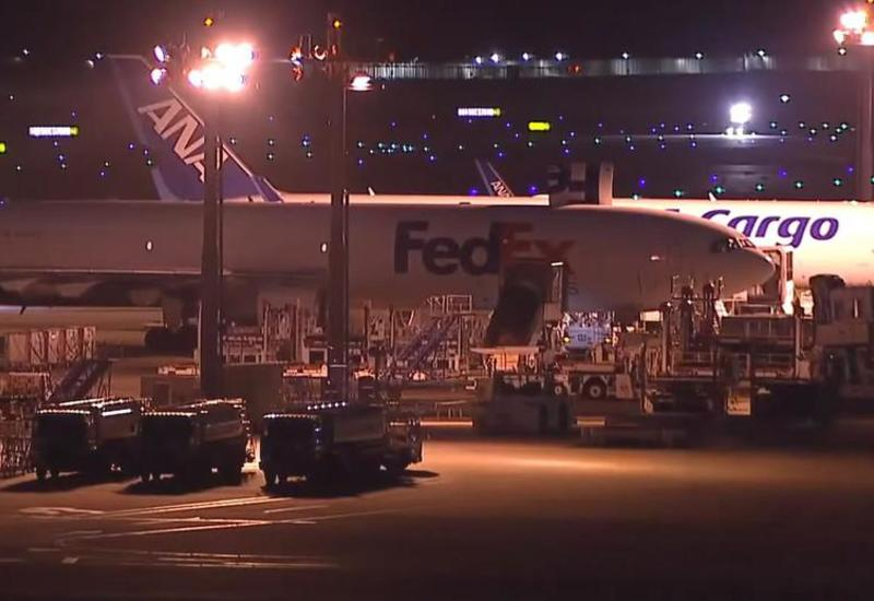 Два самолета столкнулись в аэропорту Токио