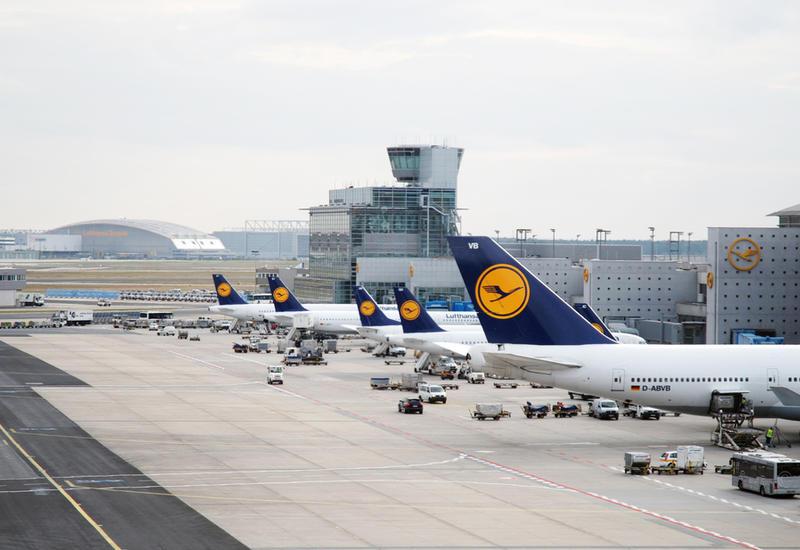 Аэропорт в Германии отменил более полусотни рейсов