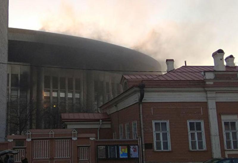 """Пожар в спорткомплексе """"Олимпийский"""" в Москве"""