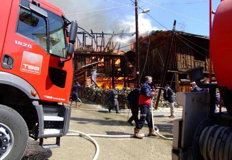 Пожар в жилом здании в Турции, есть пострадавшие