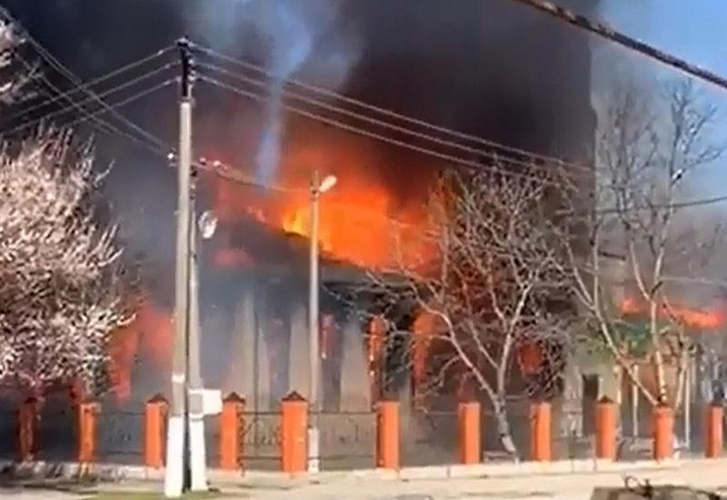 Пожар в Чечне целиком уничтожил мечеть