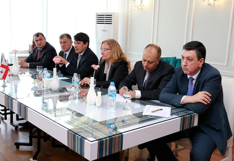 Азербайджан напомнил Грузии о памятнике армянскому сепаратисту