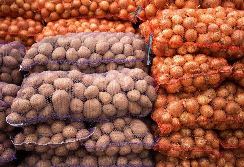 Стало известно, когда в Азербайджане подешевеют картофель и лук
