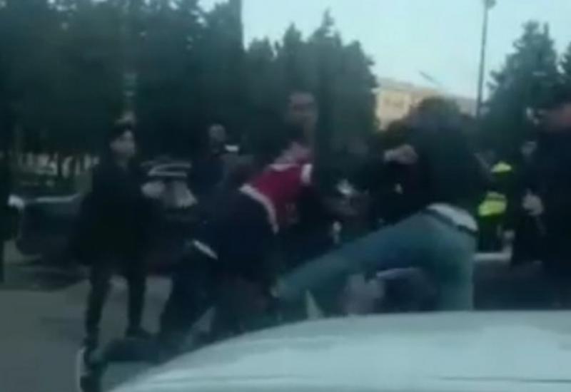 В Баку произошла массовая драка из-за девушки