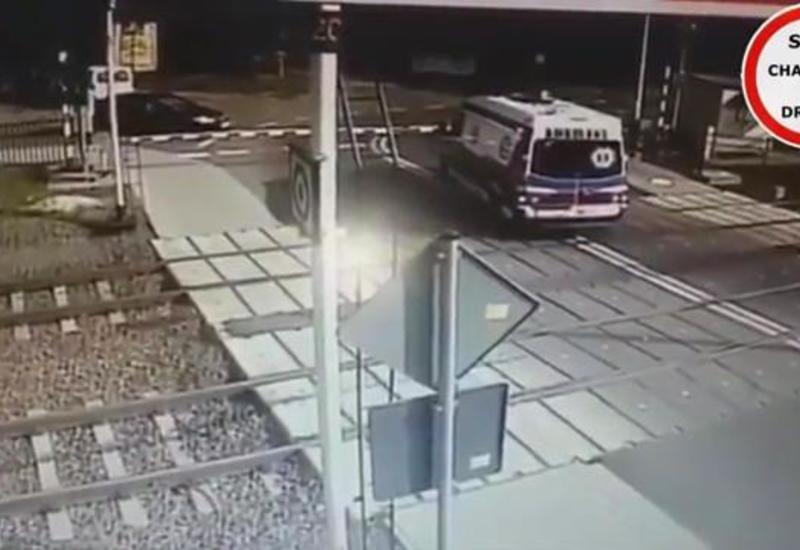 В Польше поезд столкнулся со скорой, есть жертвы