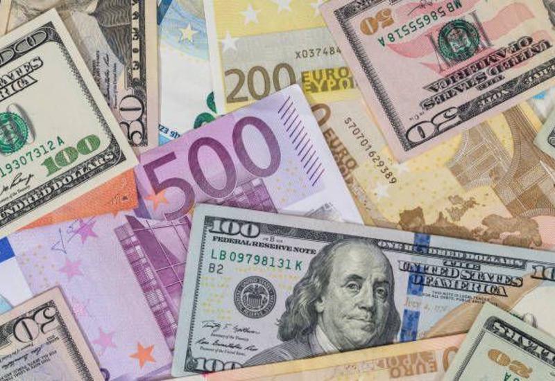 Доллар слабо дорожает в ожидании деталей по торговой сделке между США и КНР