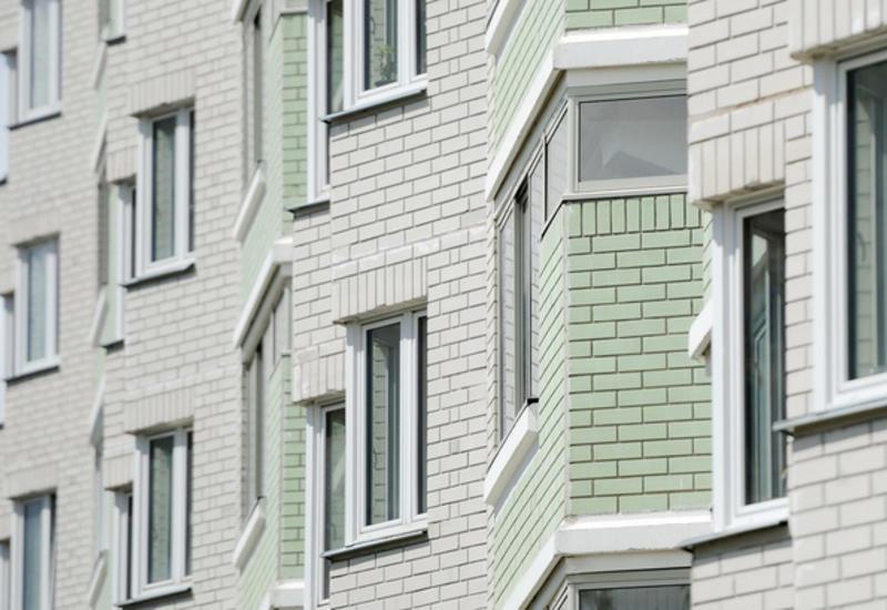 Девочка упала с десятого этажа, делая селфи