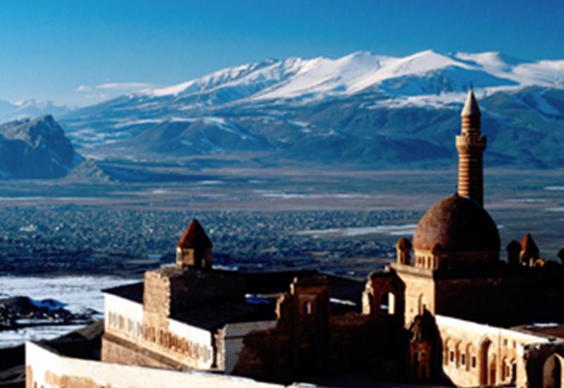 Армения окружена азербайджанцами, и ей никуда от этого не деться