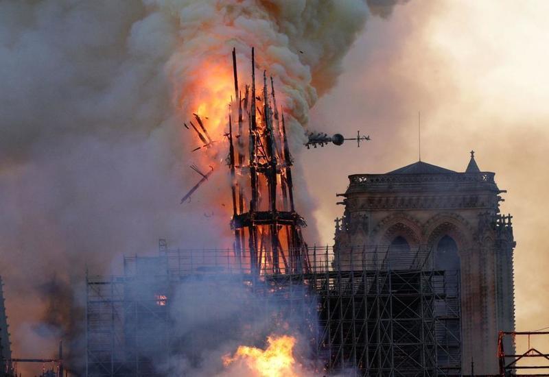 Пожар в Нотр-Даме заставил женщину поверить в чудо