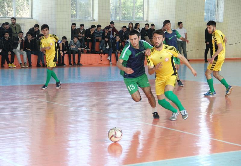 """Посольство Туркменистана в Баку организовало спортивные состязания <span class=""""color_red"""">- ФОТО</span>"""