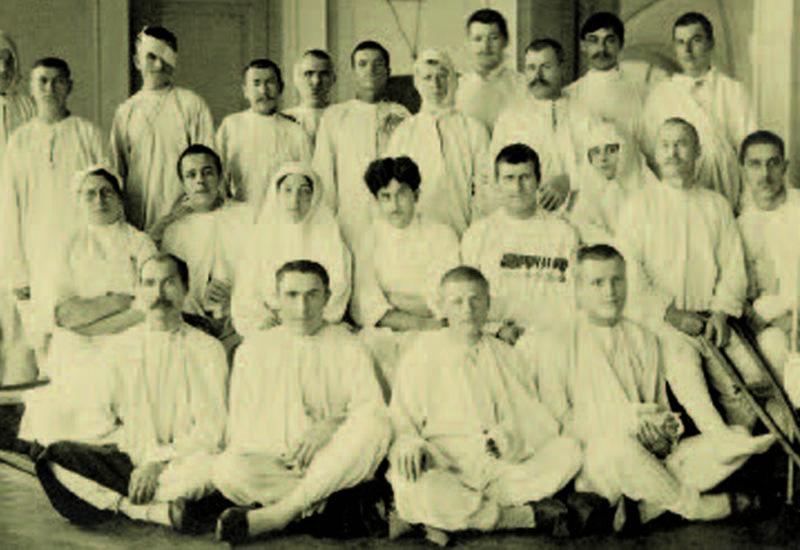 """Первые военные врачи азербайджанцы <span class=""""color_red""""> - ФОТО</span>"""