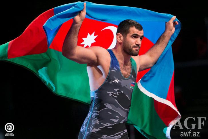 Двое азербайджанских борцов стали лидерами мирового рейтинга