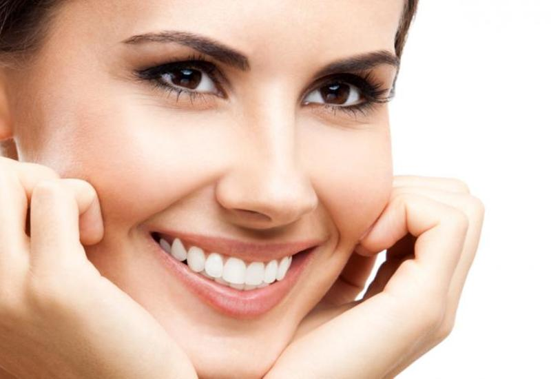 Искусственная улыбка улучшает настроение