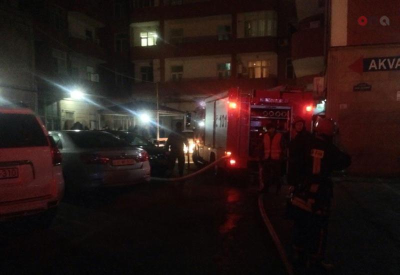 В Баку из-за одной сигареты начался сильный пожар в многоэтажке