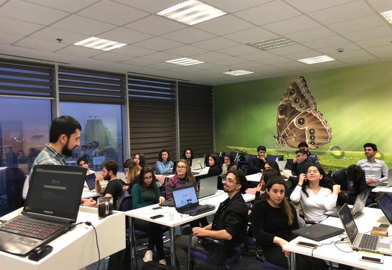 """""""TechCentrum"""" при поддержке Центра Инноваций и Предпринимательства """"Barama"""" компании Azercell начал 3-месячный тренинг по """"Data Science"""""""