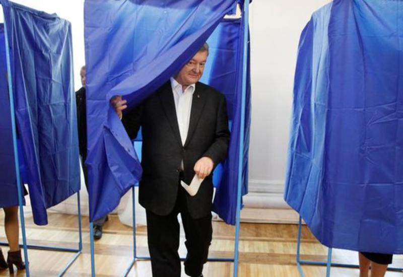 Порошенко отказался уходить из политики