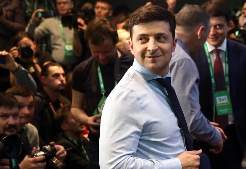 """Кто он, новый президент Украины Владимир Зеленский? <span class=""""color_red""""> - ДОСЬЕ</span>"""