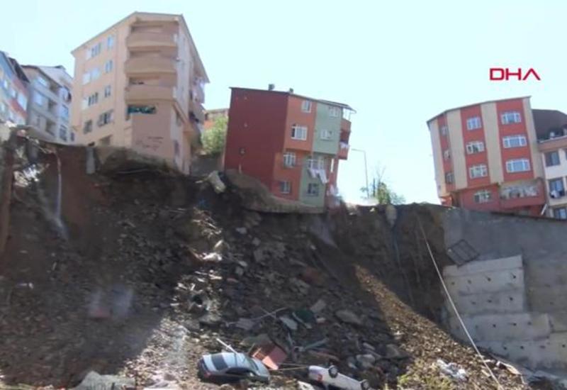 """Жилой дом обрушился в Стамбуле <span class=""""color_red"""">- ВИДЕО</span>"""