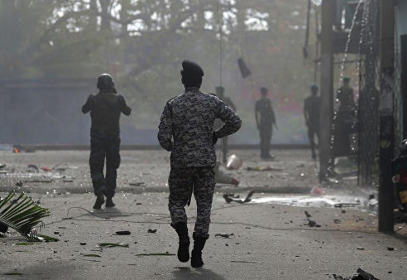 На Шри-Ланке вновь ввели комендантский час после серии взрывов